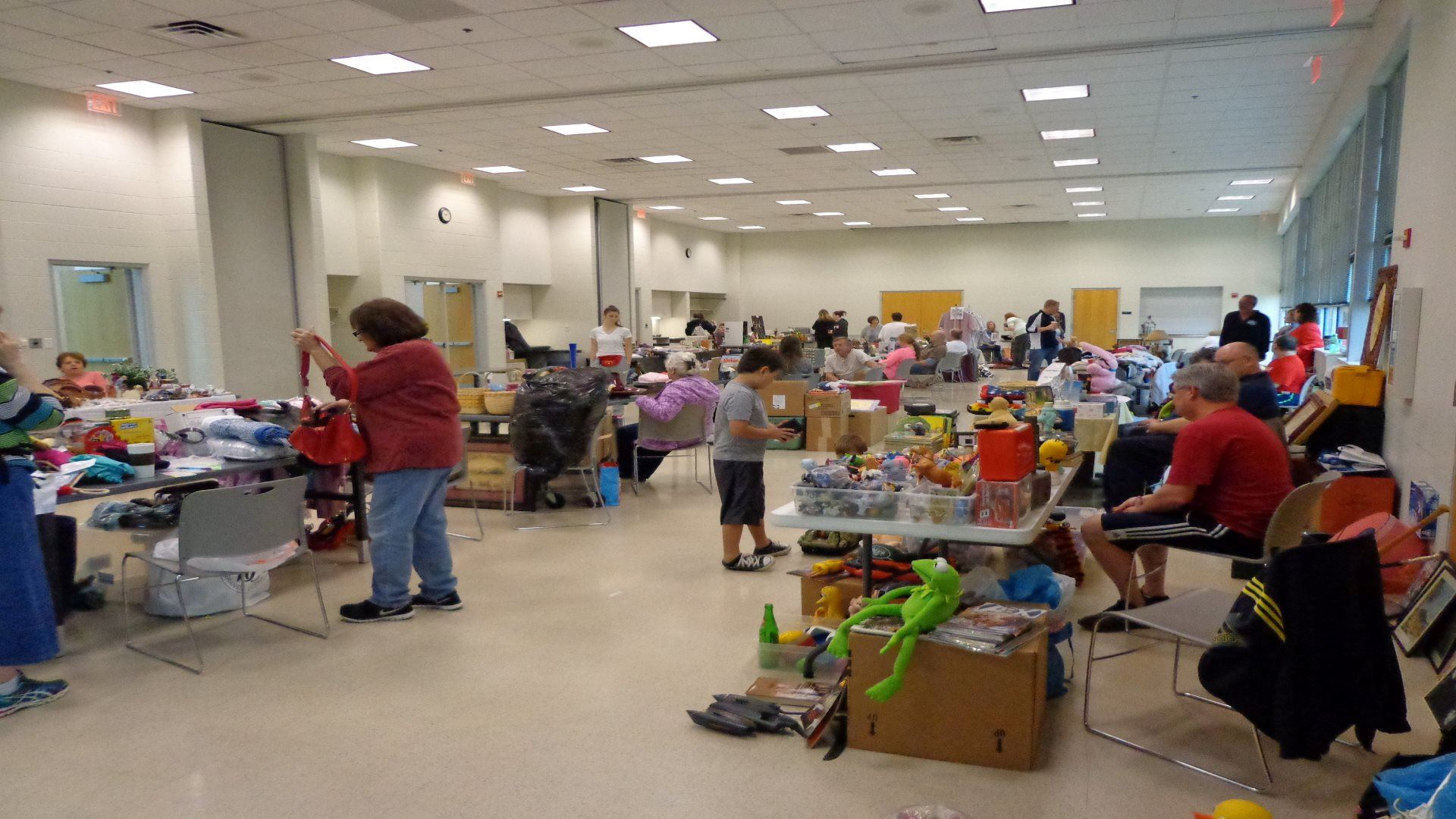 indoor garage sale at riverchase